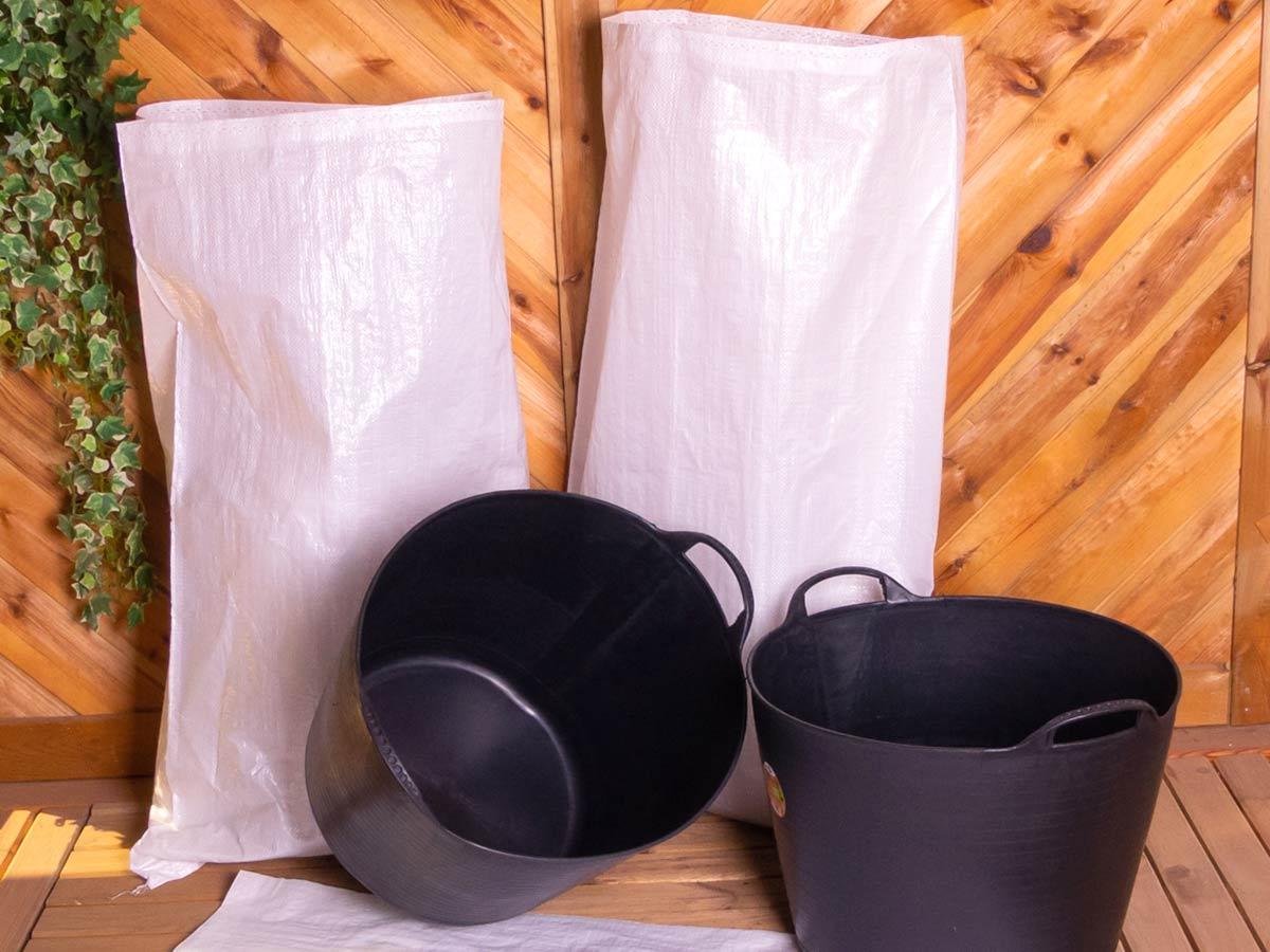 Capazos de goma y sacos de rafia